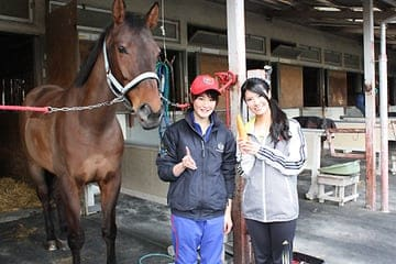 倉持明日香がキャスターを務めたBS朝日のスポーツ情報番組「SPORTS X(スポーツクロス)